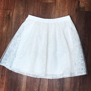 Express ivory lace and tule skirt size 4